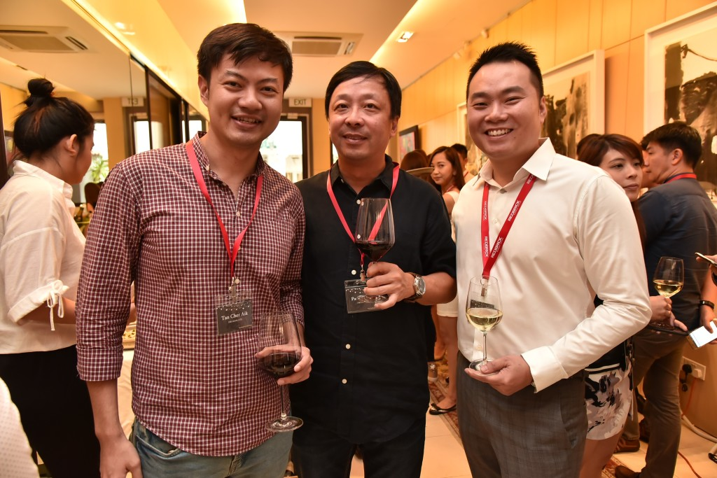 (L-R): Tan Cher Aik (Business Development Manager, SME Banking, Institutional Banking Group, DBS), Patrick Seow (Vice President, SME Banking, Institutional Banking Group, DBS), Eugene Huang (Director, Redbrick Mortgage Advisory)