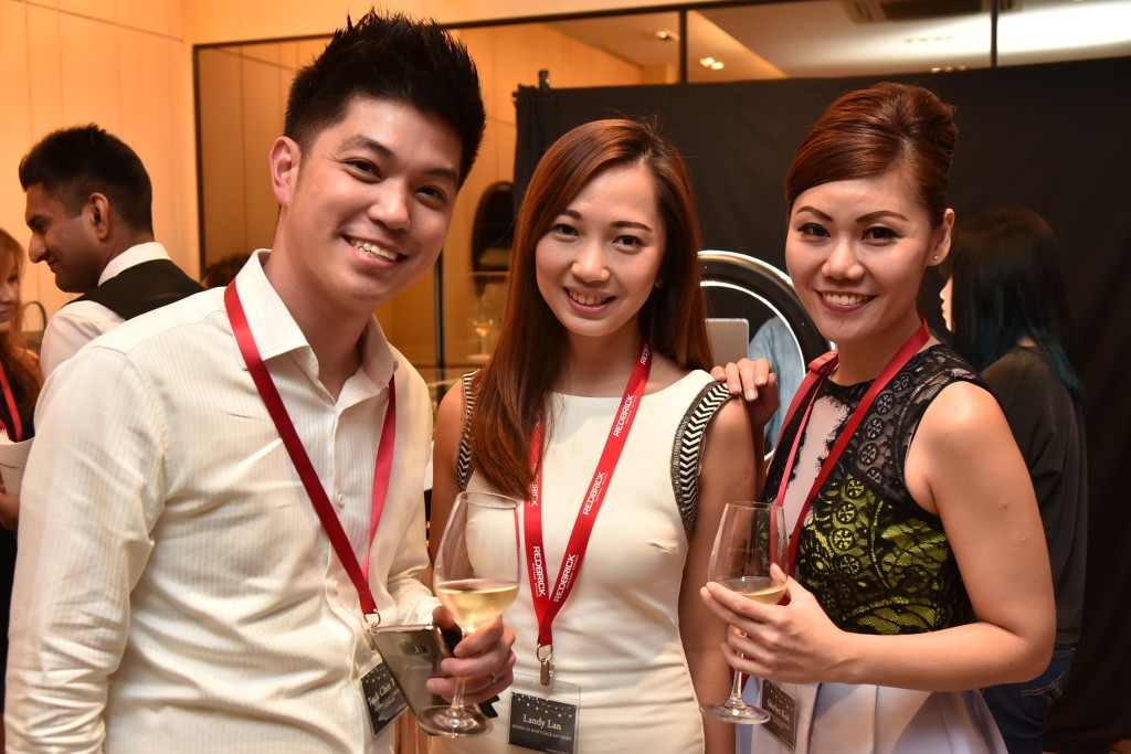 (L-R): Tong Teck Chin (Assistant Vice President, Retail Banking Department Mortgage Sales, Bank of China), Landy Lan (Associate Director, Redbrick Mortgage Advisory), Shirlyn Koh (Business Manager, Retail Banking Department Mortgage Sales, Bank of China)