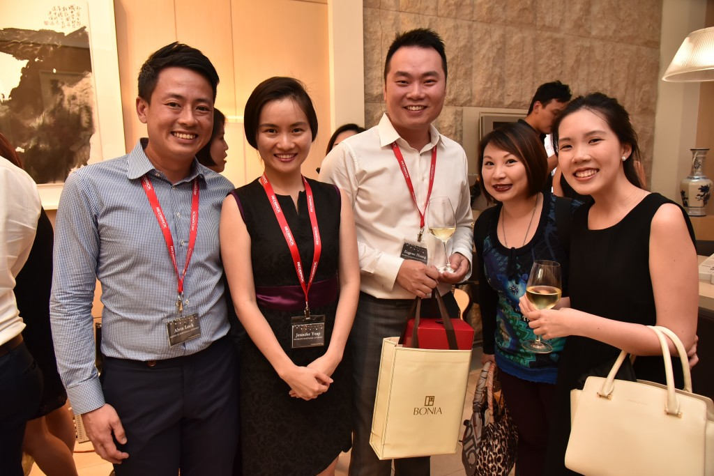 (L-R): Alvin Lock (Associate Director, Redbrick Mortgage Advisory), Jennifer Yeap (Associate Director, Redbrick Mortgage Advisory), Eugene Huang (Director, Redbrick Mortgage Advisory), Sebrena Chong (Senior Relationship Manager, Hong Leong Finance), Jacqueline Leong (Relationship Manager, Hong Leong Finance)
